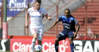 Huracán y Unión empataron sin goles en un partido sin emociones