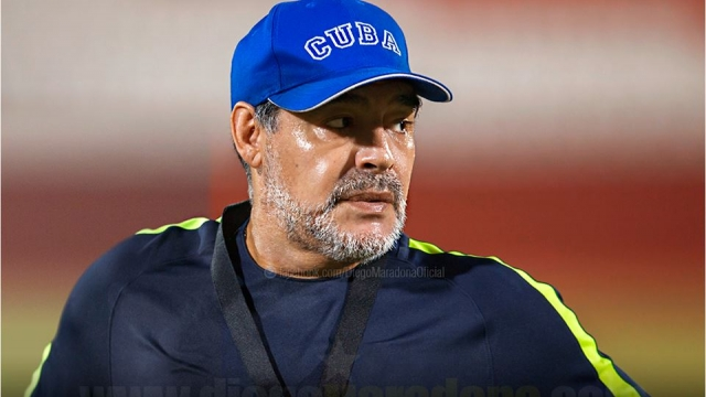 Luego de la derrota de Argentina ante Nigeria, Maradona se postuló como técnico