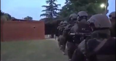 """A los tiros: Petrov se """"defendió"""" de la policía disparando con un arma de fuego"""