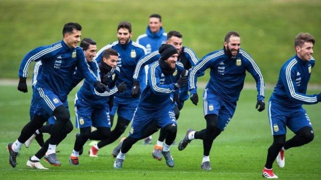Argentina se pone a prueba ante Italia en Manchester