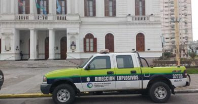 Desalojaron la Municipalidad de Azul por amenaza de bomba