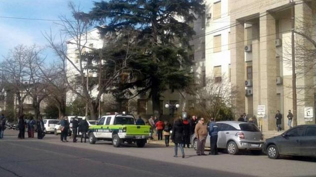 Desalojaron los tribunales de Azul por amenaza de bomba