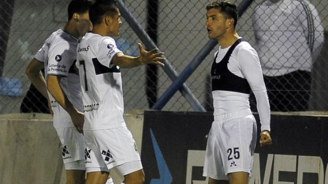 Gimnasia derrotó a Sportivo Belgrano y avanzó de ronda