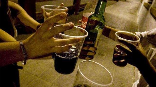 Los adolescentes consumen cada vez más alcohol