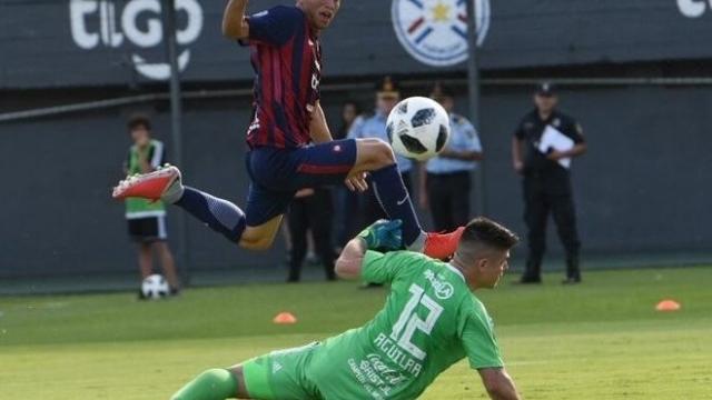 El joven de 14 años que marcó un gol histórico en el clásico paraguayo