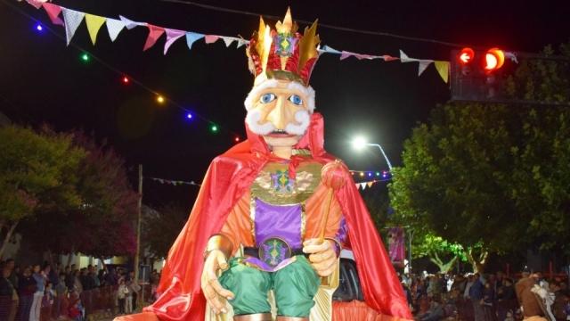 Carnaval Regional Laprida: Gran cierre con la quema del Rey Momo y la lectura de su testamento