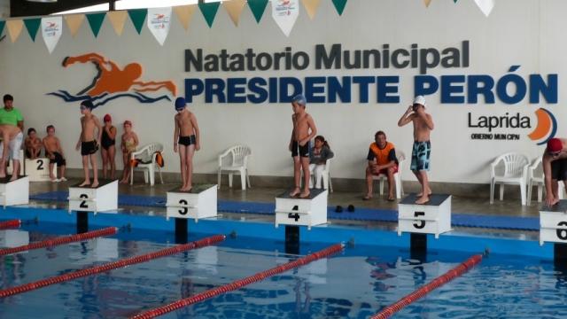 """Se realizará un encuentro recreativo de natación en el Natatorio Municipal """"Presidente Perón"""""""