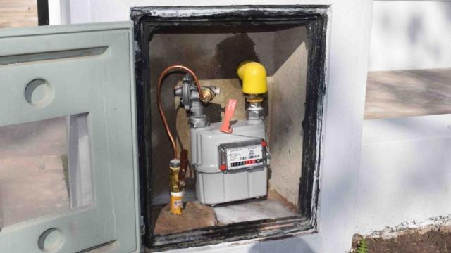 Gas domiciliario: Instalan el primer medidor en el Barrio Sur