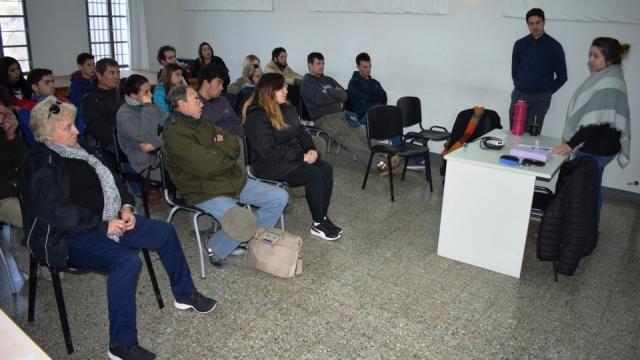 Comenzaron los cursos de introducción al trabajo y gestión empresarial